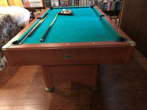 Table de Billard en excellent état/Pool table in great condition