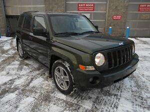 2007 Jeep Patriot Auto 4x4 4 Cyl 2.4L Only 124000KMS