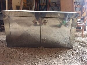 Staines steel Strap box or tool box