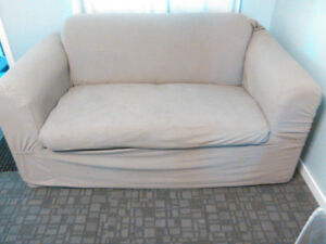 Loveseat hideabed