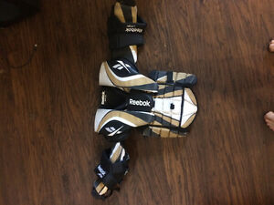 Reebok JR 6k Hockey Goalie Chest protector
