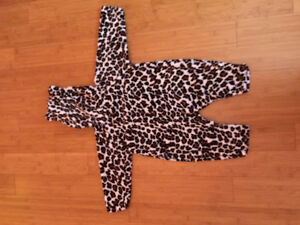 18-24 month and 2T Halloween costumes Peterborough Peterborough Area image 4