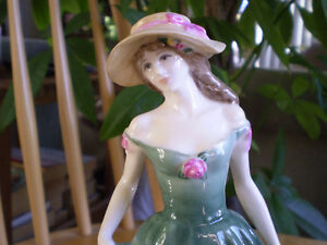 "Royal Doulton Figurine "" Best Wishes "" - HN3971 Kitchener / Waterloo Kitchener Area image 6"