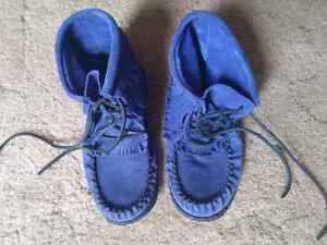 Moccasin Boots Ladies size 7 Belleville Belleville Area image 1