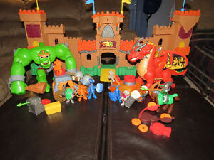 Imaginext Eagle Talon Castle Set
