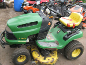 Parting Out John Deere Lawn Tractor, Model LA115.
