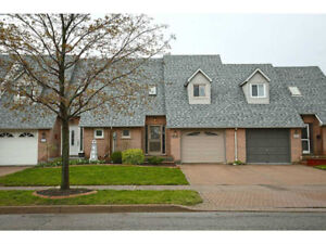 Beamsville Townhouse - Large Spacious Freehold