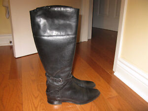 Clark's Artisan County Fair black all leather ladies boots!