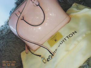 Stunning designer inspired LV purse in light pink patent leather