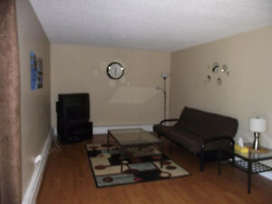 Short Term Rental by Kingsway Mall $650 Edmonton Edmonton Area image 3
