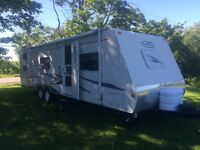 2005 30' TRAIL CRUISER WITH BUNKS AND SLIDE OUT (FINANCING)