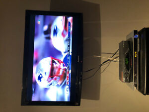 """Panasonic 37"""" HDTV with components"""