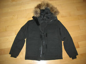 BRAND NEW HOODED DOWNFILLED PARKA (boy or girl)