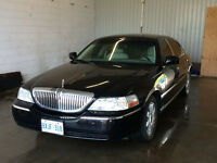 2005 Lincoln Town Car Signature L Safety + Etest, Loaded