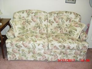 "BEAUTIFULL  BED CHESTERFIELD  ""  REDUCED """