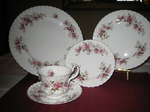 6x5 pieces setting Lavender Rose pattern by Royal Albert