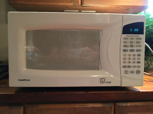 LG Goldstar Microwave Oven - High Powered 1100 Watt Model
