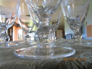 *STUNNING* Gobelet-Style – Set of 16  Wine Glasses *Barely Used* West Island Greater Montréal image 4