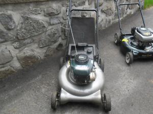 2  Tondeuses a gazon , 2 Lawnmower