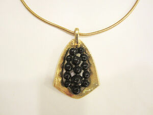 CHAINE et PENDENTIF PLAQUÉ OR - ONE GOLD PLATED CHAIN + PENDANT