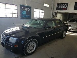 Chrysler 300 4dr Sdn 300 Touring RWD 2008