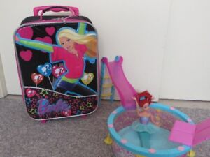BARBIE POOL AND SUITCASE