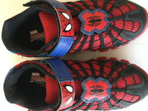 Stride Rite size 2W Spider-Man shoes - brand new in box