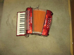 Accordion Hohner-Student II