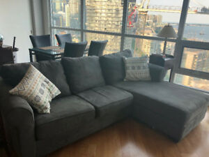 Selling a grey sectional couch - good condition