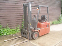 NISSAN ELECTRIC FORKLIFT 48 VOLT, 1.5 TON LIFT, SIDE SHIFT,ETC, VGC WITH CHARGER