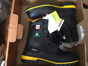 1 NEW PAIR SIZE 7 BAFFIN WORK BOOTS  STEEL TOED