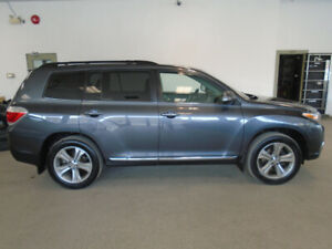 2011 TOYOTA HIGHLANDER LUXURY SUV 7 PASS! LEATHER! ONLY $17,900!