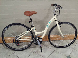 TREK CITY HYBRID,LIKE BRAND NEW,EXCELLENT CONDITION,LIGHT BIKE