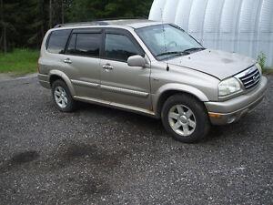 2002 Suzuki XL7 SUV, Crossover