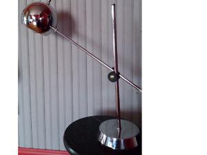SUPERBE LAMPE DE TABLE VINTAGE (60/70) CHROMÉ livraison gratuite