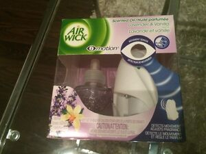 Air Wick Lavender and Vanilla motion