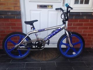 BMX BIKE WITH SKYWAYS MAG WHEELS