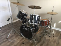 PEARL 5 PIECE DRUM KIT WITH HARDWARE & CYMBALS