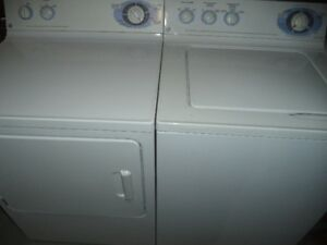 GE WASHER & DRYER SET IN MINT CONDITION CAN DELIVER