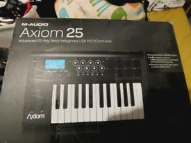 M-Audio Axiom 25 controller keyboard