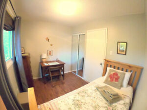ORILLIA ROOM FOR FULL TIME WORKING OR STUDENT ONLY