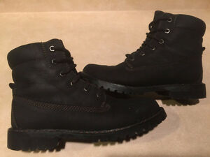 Women's WindRiver Insulated Boots Size 8 London Ontario image 1