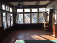 Beautiful 1 br apartment in historic Roncesvalles Village