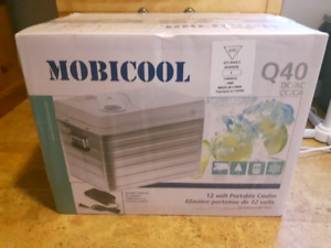 Mobicool Powered Cooler - New in Box