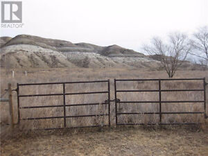 4 Acres of land in East Coulee