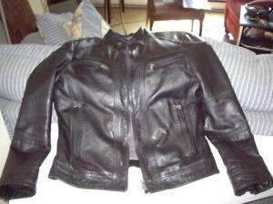 veste cuir DANIER payé $400 neuve