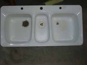 Triple sink Strathcona County Edmonton Area image 1