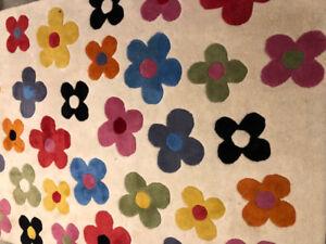 Modern Flower pedal rug