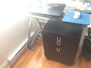 Dessous de bureau noir / black office under desk furniture