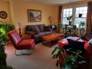 Spacious and bright 2 bdrm+Den flat in Hydrostone -April 1st!